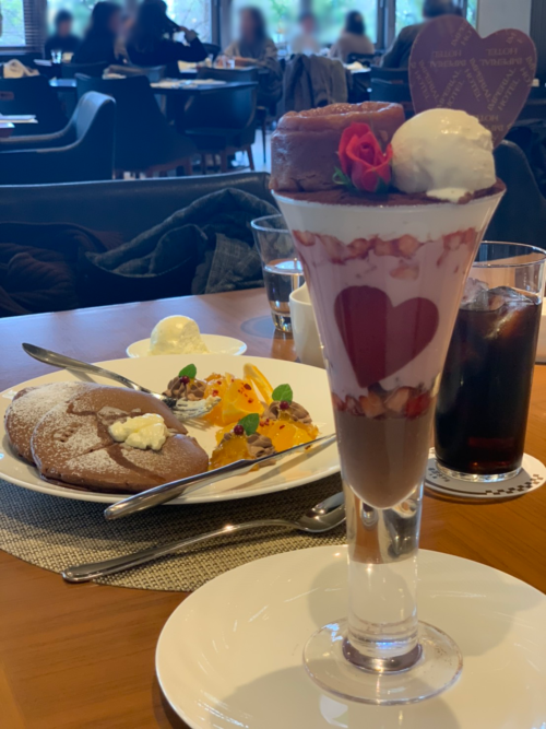 ルビーチョコレートのパフェ