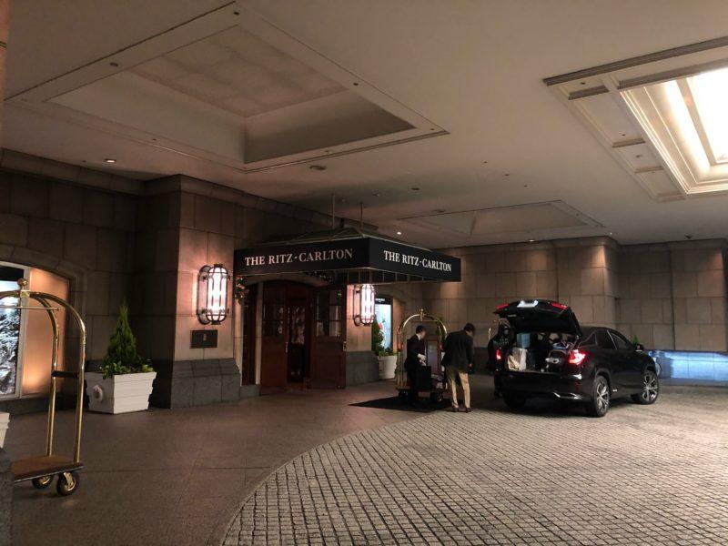 ザ・リッツ・カールトン大阪 の正面玄関