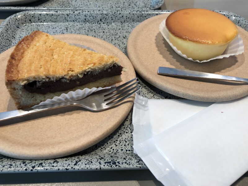 ガトーバスク と ベイクドチーズケーキ