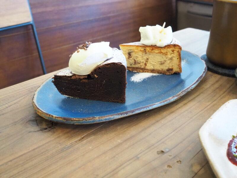 チョコレートフォンダンとラムレーズンチーズケーキ