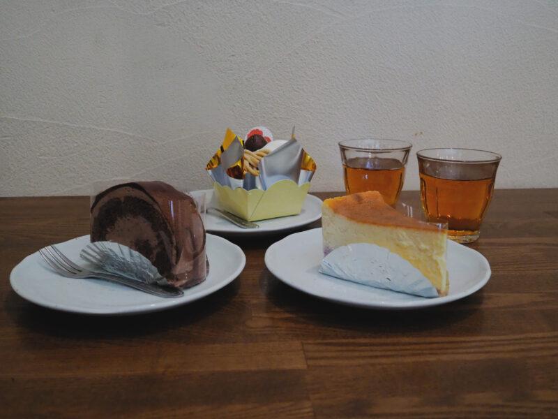 注文したケーキ (前から)