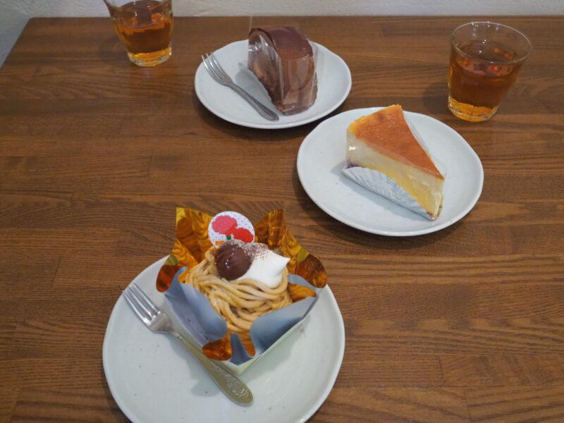 注文したケーキ (上から)