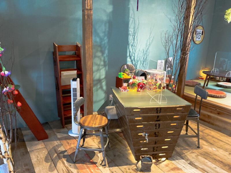 2階のカフェ・スペース
